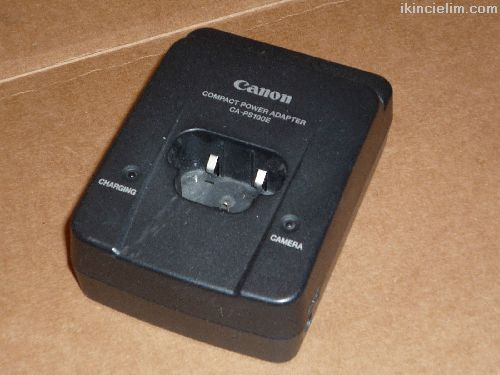 видеокамера JVC GR-AX210EK